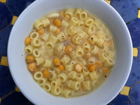 chickpea pasta soup