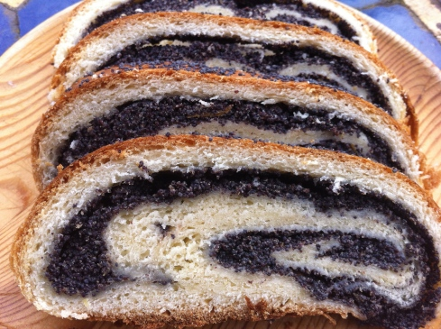 poppyseed scroll bread
