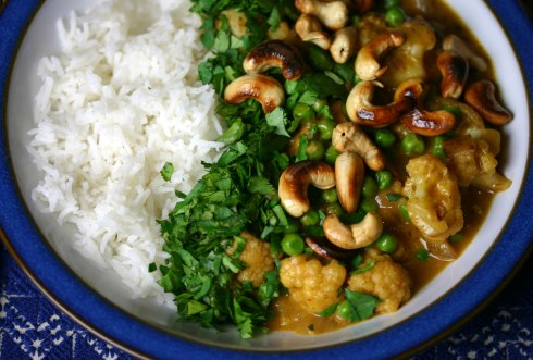 Cauliflower, cashew and pea curry