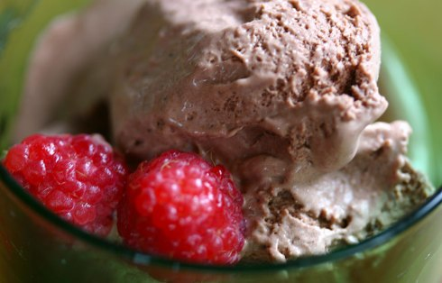 chocolate-raspberry-icecream2