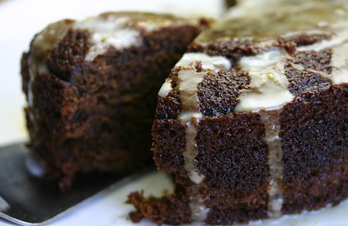 Sticky ginger cake with lemon icing