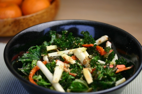 Roasted kale, carrot and apple salad